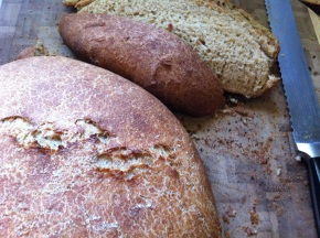 No-Knead Crusty Whole Wheat Bread {with an overnightrise}