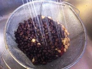 Rinsing beans